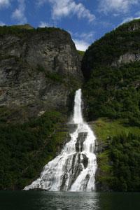 Geirangerfjorden ligger på UNESCOs kulturarvliste. Foto: Knut Fjeld.