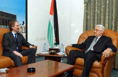 Mahmoud Abbas møtte i dag den norske diplomaten Geir Pedersen i Ramallah. (Foto: AP/Scanpix)