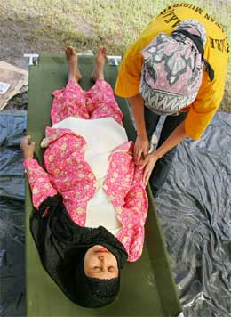 Hjelpebehovet er enormt i Aceh-provinsen. (Foto: AFP/Scanpix)