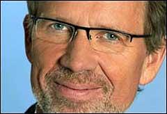 Ivar Dyrhaug skal også i år være programleder for Melodi Grand Prix. Foto: NRK.
