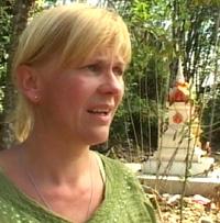 Lise Bang Ericsson leter fortsatt etter sin savnede sønn. (Foto: NRK)