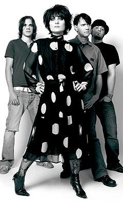 Anette Gil i Oslo-bandet Seven er ikke flau over å bli sammenliknet med gutter. Foto: Alf Børjesson.