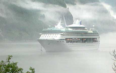 Bergen er inngangen til fjordene for mange cruise-passasjerer. Foto: NRK