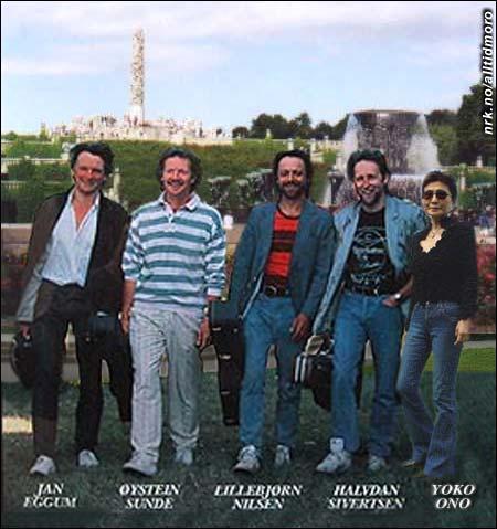 Lever farlig: Gitarkameratene med Yoko Ono i Frognerparken i går ettermiddag. (Alltid Moro)