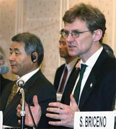 Egeland på Kobe-konferansen (Scanpix/Reuters)