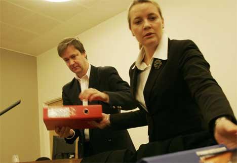 Mandag startet metanolsaken i Moss tingrett. Advokat John Christian Elden og advokat Hanne Penzen forsvarer en av de tre tiltalte. Foto: Jarl Fr. Erichsen / SCANPIX