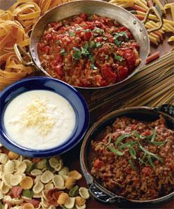Pizzaiola, ostesaus og kjøttsaus med rødvin. Foto: Opplysningskontoret for kjøtt.