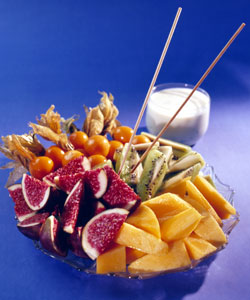 Haremssnadder med dip. Foto: Opplysningskontoret for frukt og grønnsaker.