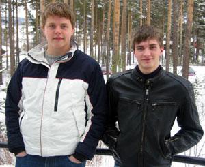 Hybelboerne Jørgen Grøndal og Henry Hicks innrømmer at det festes mye.