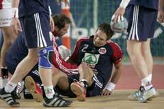 Glenn Solberg skadet kneet under første omgang. (Foto: Bjørn Sigurdsøn / SCANPIX)