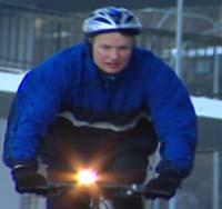 Dommer Nils Ihlen Ramm synes det er viktig å holde kroppen til form og sykler hver dag far Bærum til jobben i Oslo Tinghus.