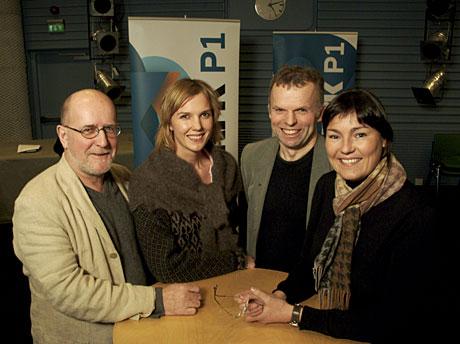 Formiddagsvertene Kurt Sandvik, Ingunn Vassvik, Sveinung Åsali og Monica White Martinsen kan fra tirsdag 1. februar by sine nesten 90 000 lyttere på utvidede Nordaførr-sendinger i NRK P1. (Foto: NRK/Bente Bjercke)