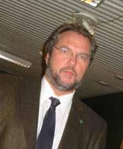 Landbruksminister Lars Sponheim erklærte nærmest krig mot veterinærene i forige uke. (Foto: NRK)