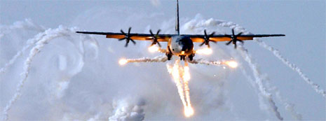 Et Hercules-fly av denne typen styrtet i dag (foto: US Air Force/AFP/Scanpix)