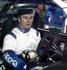 Ford Focus WRC rallybilen var helt ny for Henning Solberg. Han hadde problemer med å finne fram på bryterpanelet. Foto:Jørgen Steinli / SCANPIX