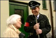 De eldres nazi-venn: Nazi-Per bryr seg om de eldre og andre svake samfunnsgrupper