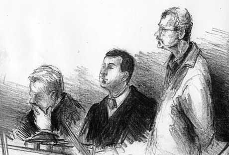 Saka mot den tiltalte 42-åringen (til høgre) held fram med ein dommar mindre. Teikning: Elin Fagertun
