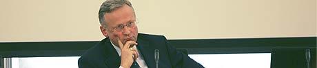 Han kan påvirke valget. Sentralbanksjef Svein Gjerdems renteøkning kan slå dårlig ut for regjeringen. Foto: Scanpix.