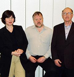 <b>Nøtteknekker-laget fra Bergen</b> består av Odd Rydland fra Nesttun, Jan Økland fra Blomsterdalen og Laila Nordø fra Tertnes. Foto: NRK.