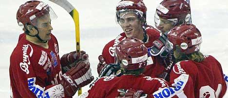 Stjernen styrker laget med Martin Karia før UPC-ligaen starter. Foto: Håkon Mosvold Larsen / SCANPIX .