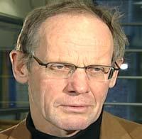— Det er løse overganger fra det å ha en uvane, til at uvanen blir mer tvangspreget, sier Jørg Mørland ved Folkehelseinstituttet.