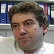 Oversykepleier Geir Jeremiassen sitter med ventelistene og bekrefter at situasjonen får betydning for pasientene.