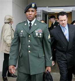 Sersjant Javal Davis er dømt for fangemishandling Irak. (Foto: AP/Scanpix)