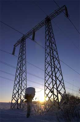 DYRERE STRØM: Kraftselskapene har solgt strømmen til utlandet. (Foto: Tor Richardsen/Scanpix)