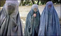 Zarghonar har kvittet seg med burkaen, men mange afghanske kvinner bærer fremdeles burka.