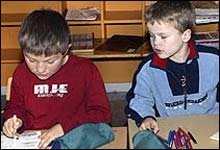 Utdanningsforbundet mener forslaget fra rådmannen svekker det pedagogiske nivået i Halden-skolene. Ill. foto NRK.