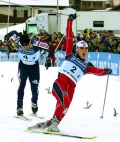 Tore Ruud Hofstad spurtet inn til sølv i Val di Fiemme. (Foto: AP/Scanpix)