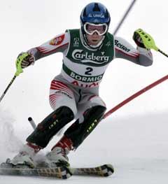 Benjamin Raich på vei til slalåmgullet. (Foto: Reuters/Scanpix)