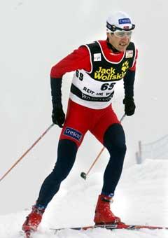 Ole Einar Bjørndalen på vei til 40. plass. (Foto: Terje Bendiksby / SCANPIX)