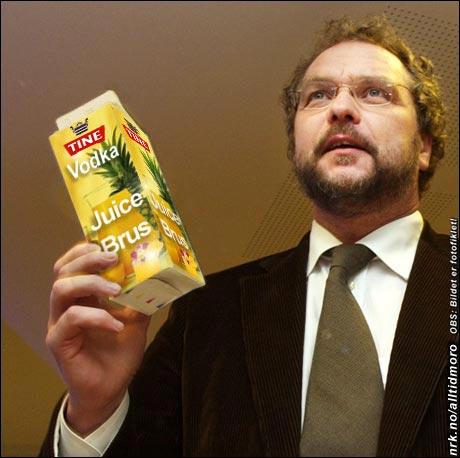 - Vi håper Tine Vodka Juice Brus vil kapre markedsandeler blant ungdom, uttalte landbruksministeren, og berømmet samtidig Tine for utviklingen av nye og spennende nisjeprodukter. (Geir Breivik)