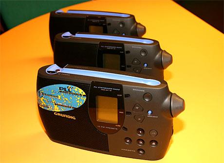 """Mellom 8 og 10 radioer finnes i en vanlig hustand. Det betyr rundt 20 millioner radioer spredt over det ganske land. """"Radiodel"""" nærmest i alle nye lyd-, bilde- og dataprodukter betyr at tilgjengeligheten til radio øker kraftig. (Foto: Jon-Annar Fordal)"""