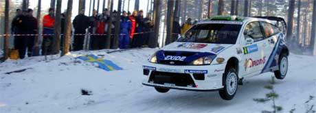 Henning Solberg under første fartsprøve i Rally Sverige fredag morgen. I alt 20 fartsprøver skal kjøres før rallyet avsluttes søndag ettermiddag. Foto: Håkon Mosvold Larsen / SCANPIX .