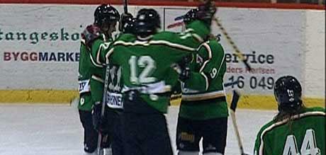 Lillehammer Ishockeyklubb mistenkes for å ha tapt med vilje for Halden-laget Comet. Foto: TV Østfold.