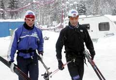 Jan Egil Andresen i samtale med Ole Einar Bjørndalen. (Foto: Terje Bendiksby / SCANPIX)