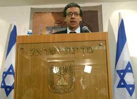 Riksadvokat Menachem Mazuz vil ikke tiltale Ariel Sharon for pengesnusk. Foto: AFP/Scanpix.