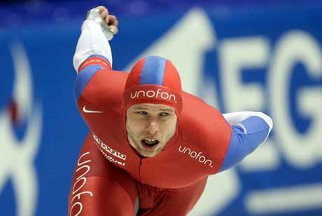 Eskil Ervik satt i natt ny verdensrkord på 3000 meter. Her fra et løp i Heerenveen i fjor. (Foto REUTERS/Michael Kooren)