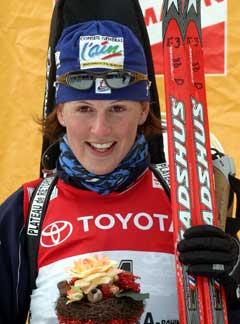Sandrine Bailly tok sin andre seier på tre dager i Pokljuka. (Foto: AP/Scanpix)