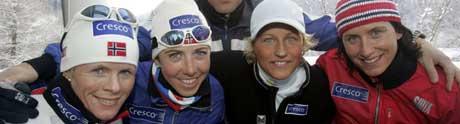 Norges stiller med dette laget på mandagens 4x 5 km VM-stafett fra venstre: Hilde Gjermundshaug Pedersen, Kristin Størmer Steira, Vibeke Skofterud, og Marit Bjørgen . (Foto: Terje Bendiksby / SCANPIX)