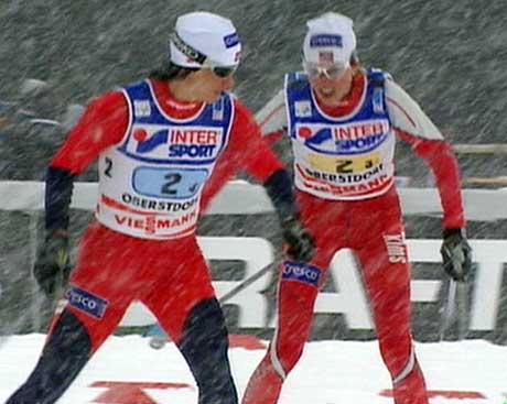 Marit Bjørgen ble sendt ut på sisteetappen tre sekunder bak russerne. (Foto: Trio)