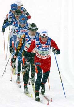 Hilde Gjermundshaug Pedersen tauet feltet på 2. etappe i jakten på Russland. (Foto: AP/Scanpix)