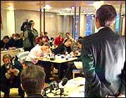 Åge Korsvold mener han ikke gjorde noe galt ved inngåelse av opsjonsavtalene. (Foto: NRK)
