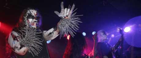 Gaahl og Gorgoroth sparar ikkje på effektane på scena.