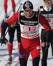 Odd-Bjørn Hjelmeset i aksjon på første etappe. Foto: Erlend Aas/SCANPIX