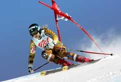 Anja Pärson på vei til seier i San Sicario. (Foto: AFP/Scanpix)