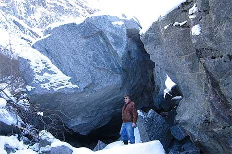 Ikkje lett å passere for turistvognene. Foto: Jan Gudmund Skrivarvik