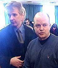 Kristian Markus Andresen og hans bistandsadvokat i retten. Foto: NRK